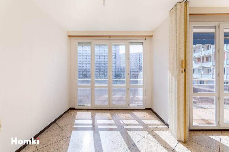Homki - Vente Appartement  de 86.0 m² à Marseille 13009