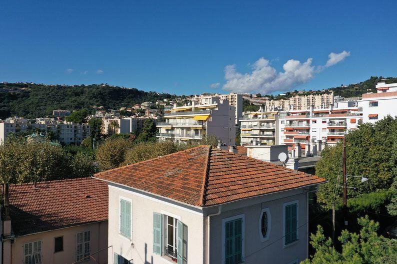 Homki - Vente Appartement  de 60.0 m² à Nice 06100