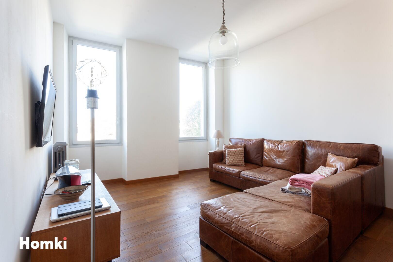 Homki - Vente Appartement  de 113.0 m² à Marseille 13007