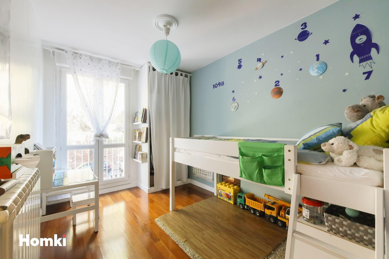 Homki - Vente Appartement  de 81.0 m² à Marseille 13013