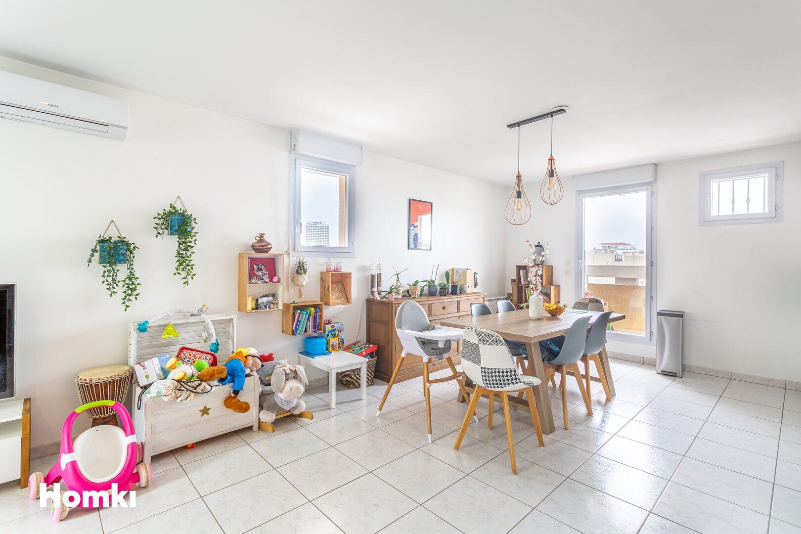 Homki - Vente Appartement  de 68.0 m² à Marseille 13010