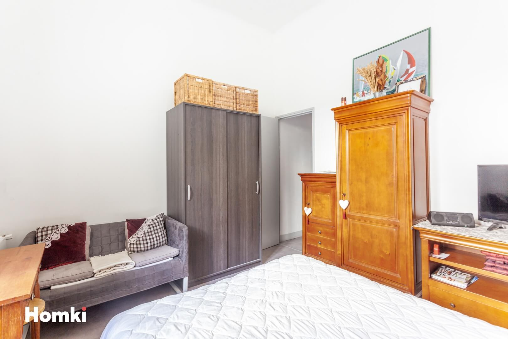 Homki - Vente Appartement  de 49.0 m² à Marseille 13007