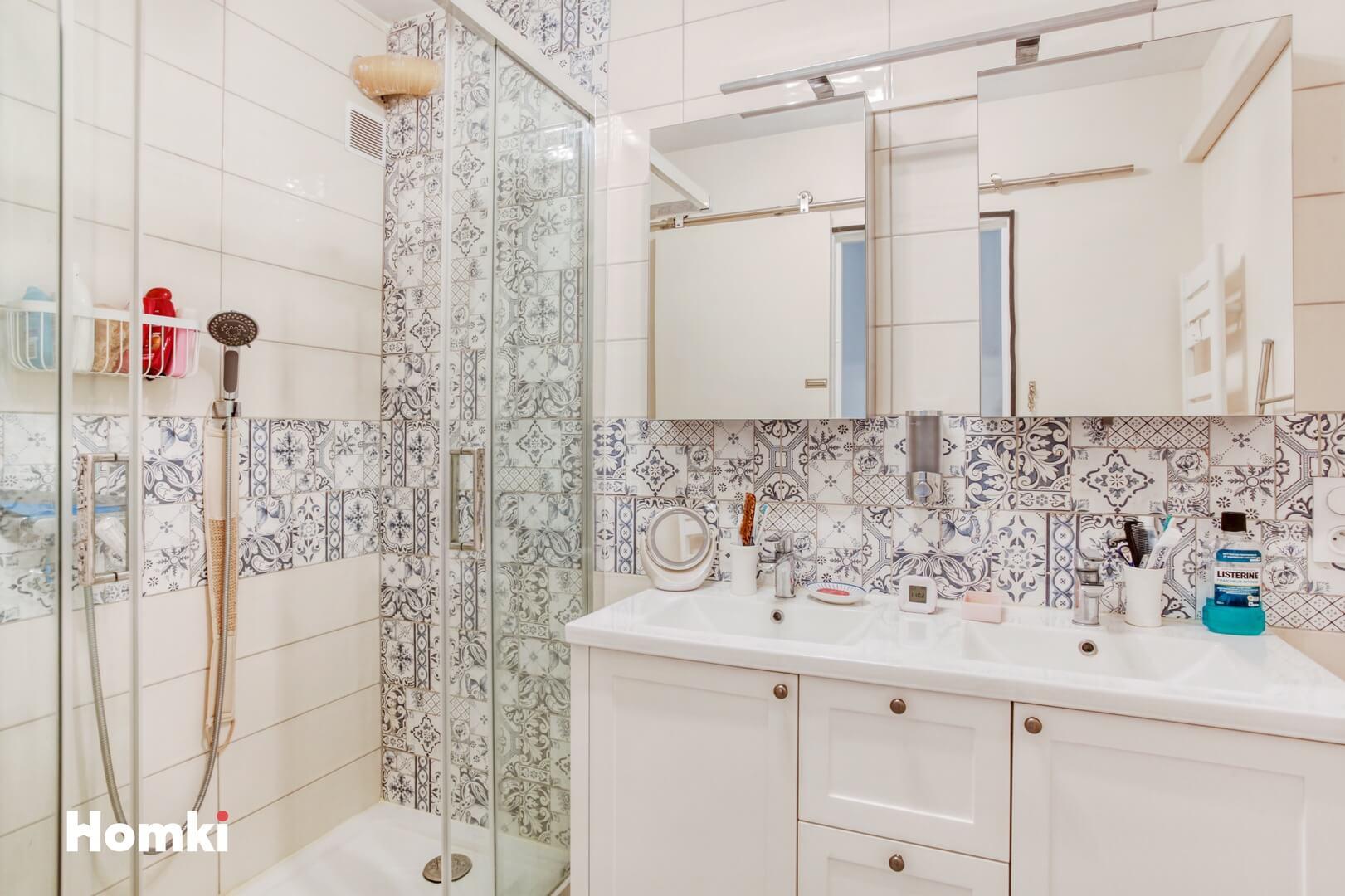 Homki - Vente Appartement  de 98.0 m² à Marseille 13005