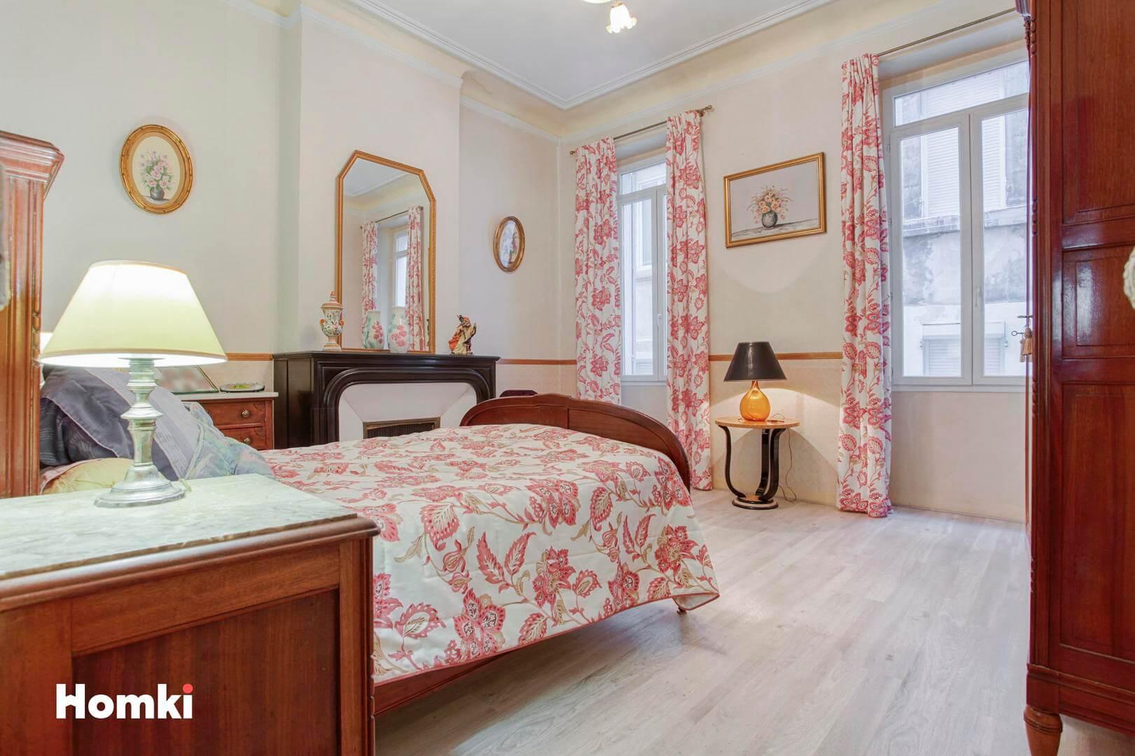 Homki - Vente Appartement  de 87.0 m² à Marseille 13002