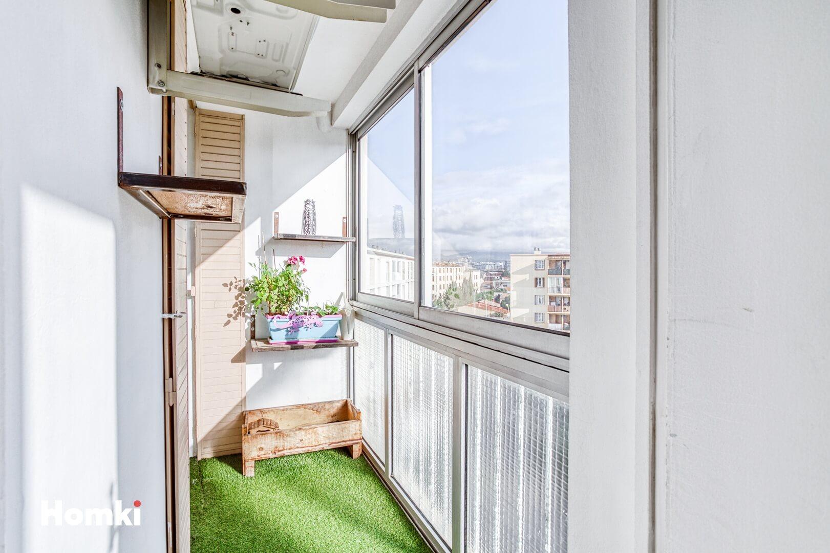 Homki - Vente Appartement  de 64.0 m² à Marseille 13009