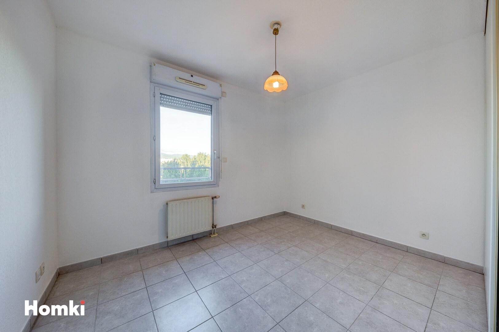Homki - Vente Appartement  de 102.0 m² à Marseille 13014