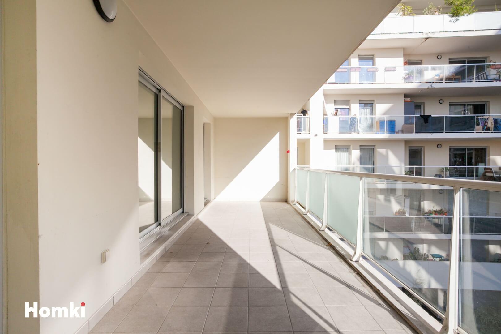 Homki - Vente Appartement  de 71.0 m² à Marseille 13002