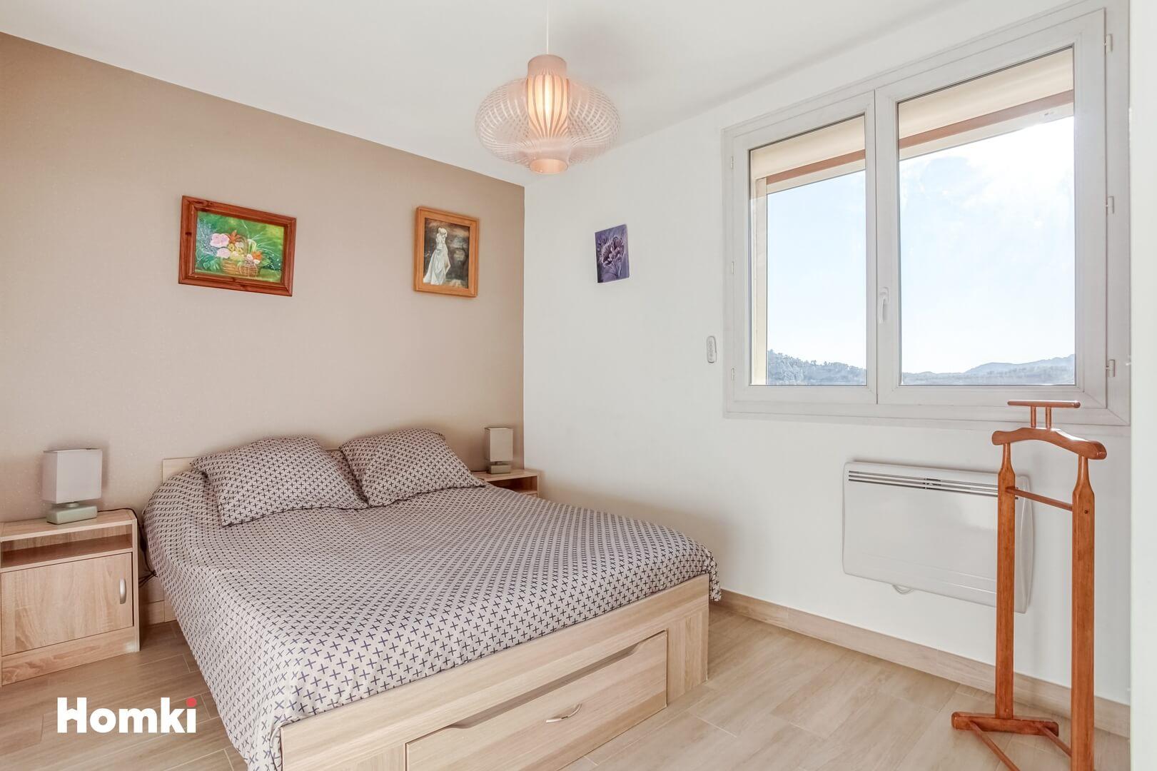 Homki - Vente Appartement  de 81.0 m² à Marseille 13009
