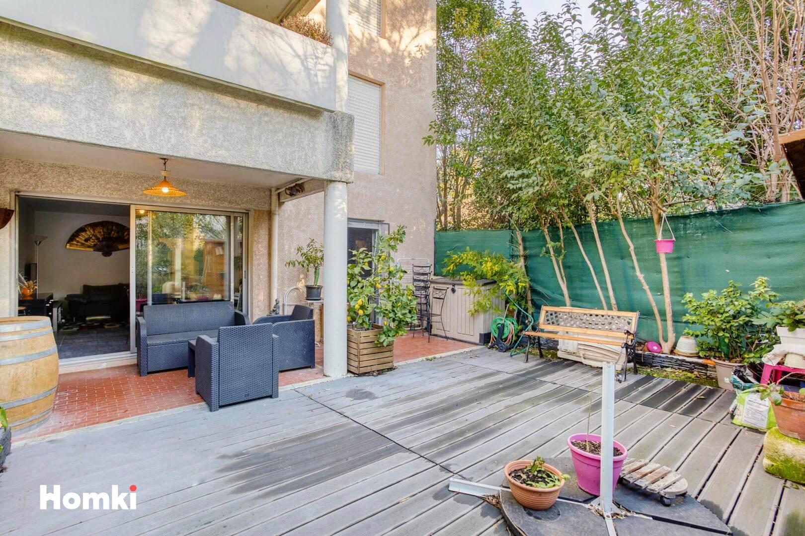Homki - Vente Appartement  de 67.0 m² à Marseille 13009