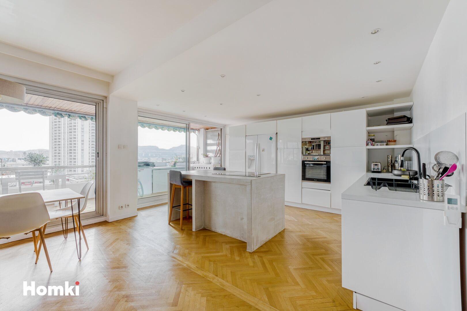 Homki - Vente Appartement  de 145.0 m² à Marseille 13008