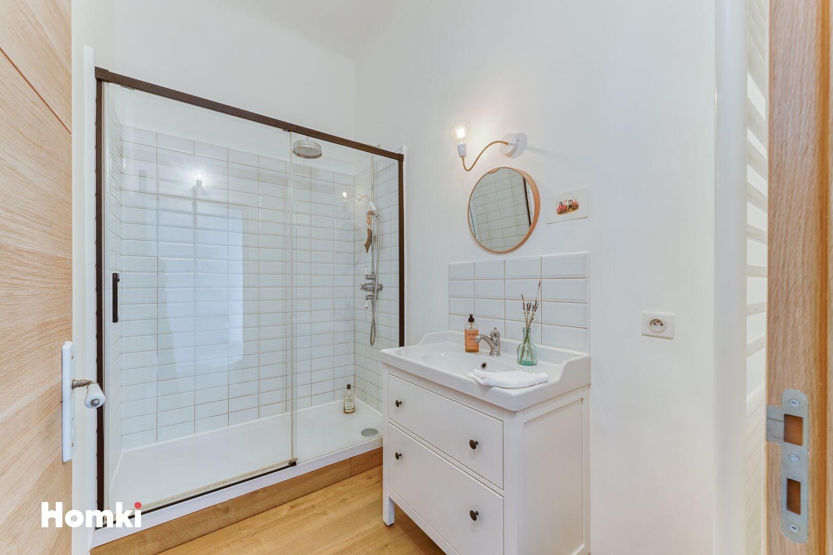 Homki - Vente Appartement  de 70.0 m² à Marseille 13001