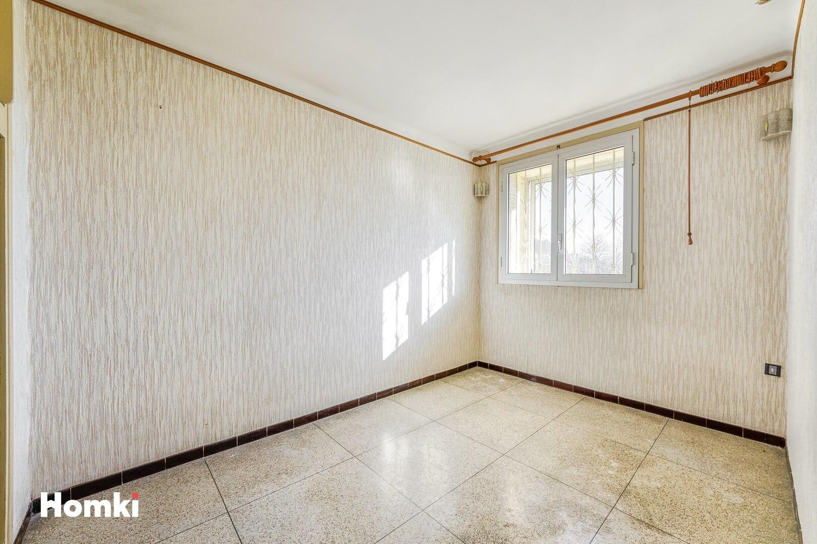 Homki - Vente Appartement  de 56.0 m² à Marseille 13011