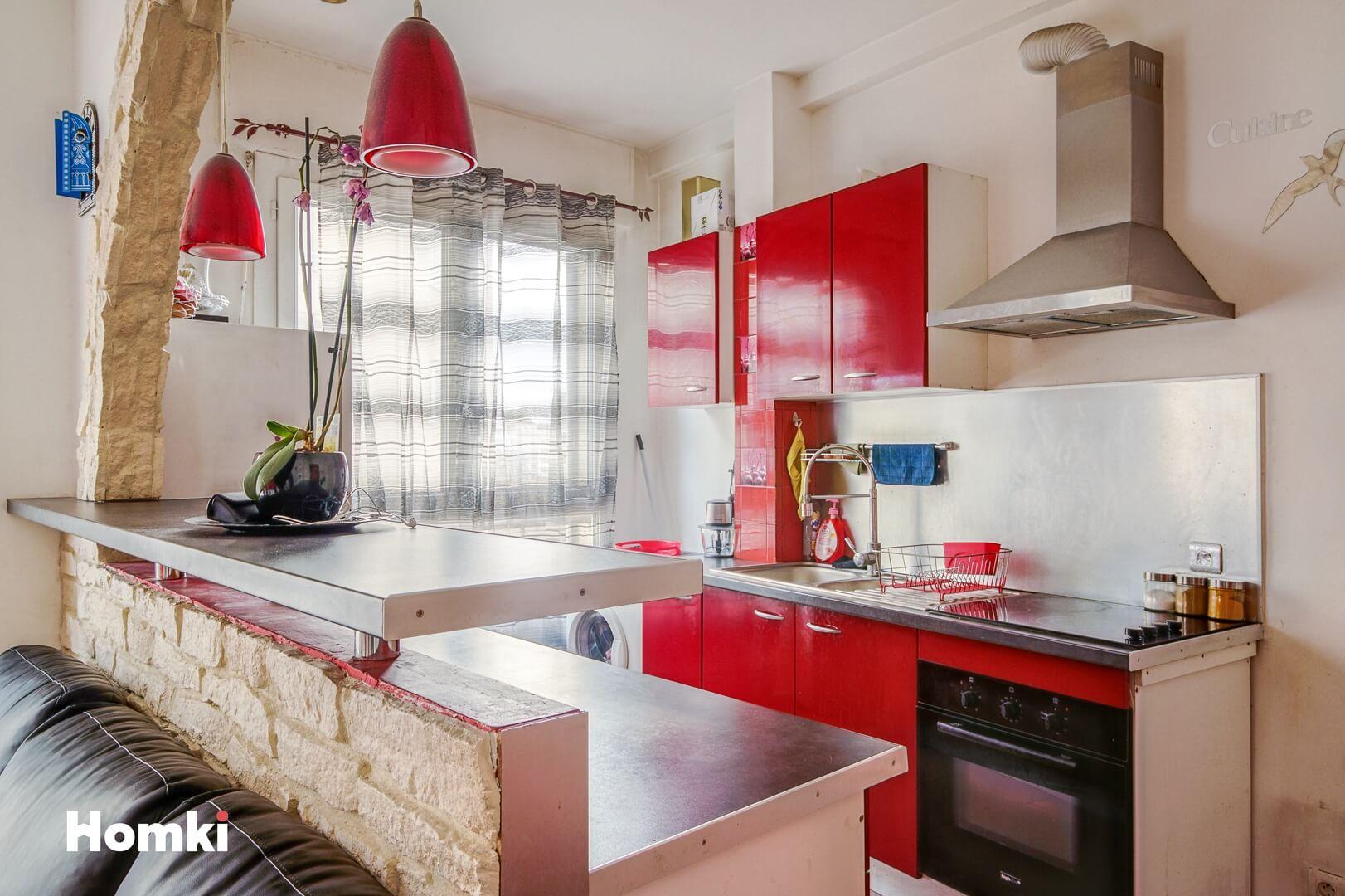 Homki - Vente Appartement  de 47.0 m² à Marseille 13004
