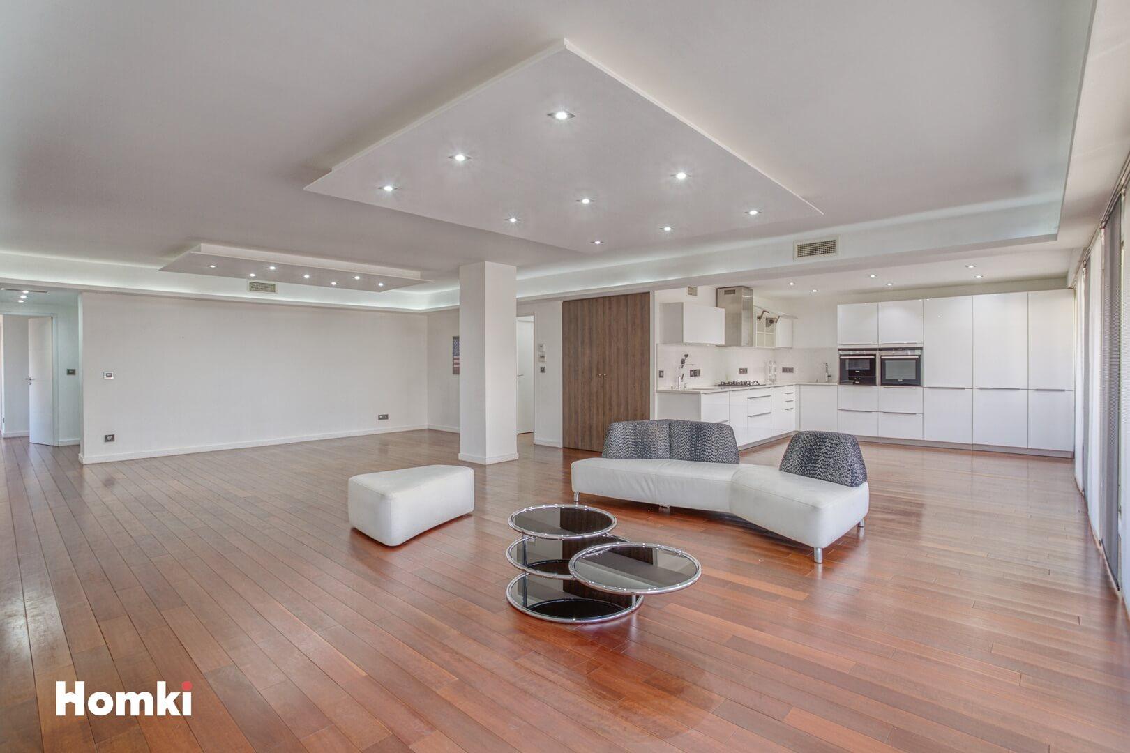 Homki - Vente Appartement  de 160.0 m² à Marseille 13008