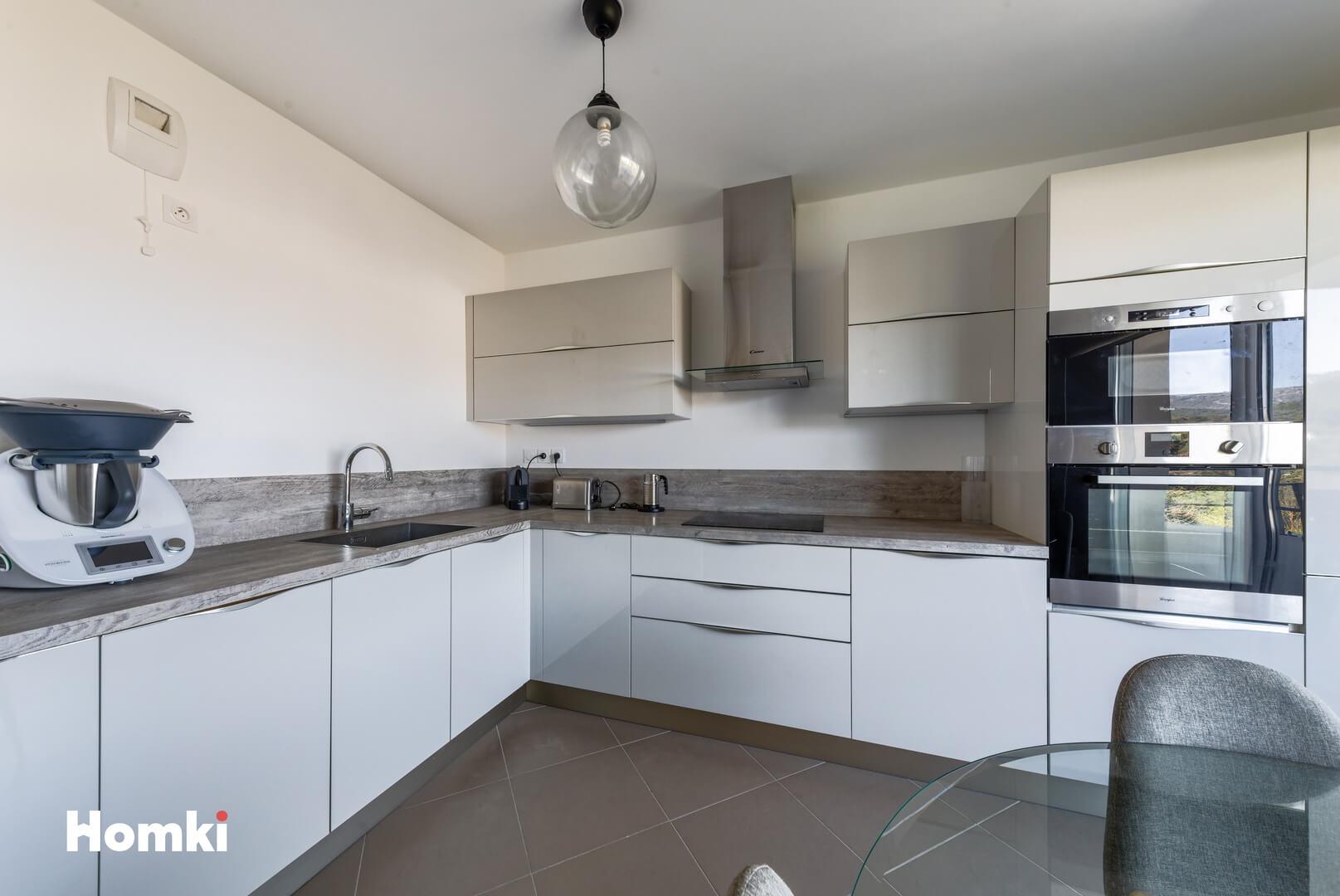 Homki - Vente Appartement  de 42.0 m² à Marseille 13011