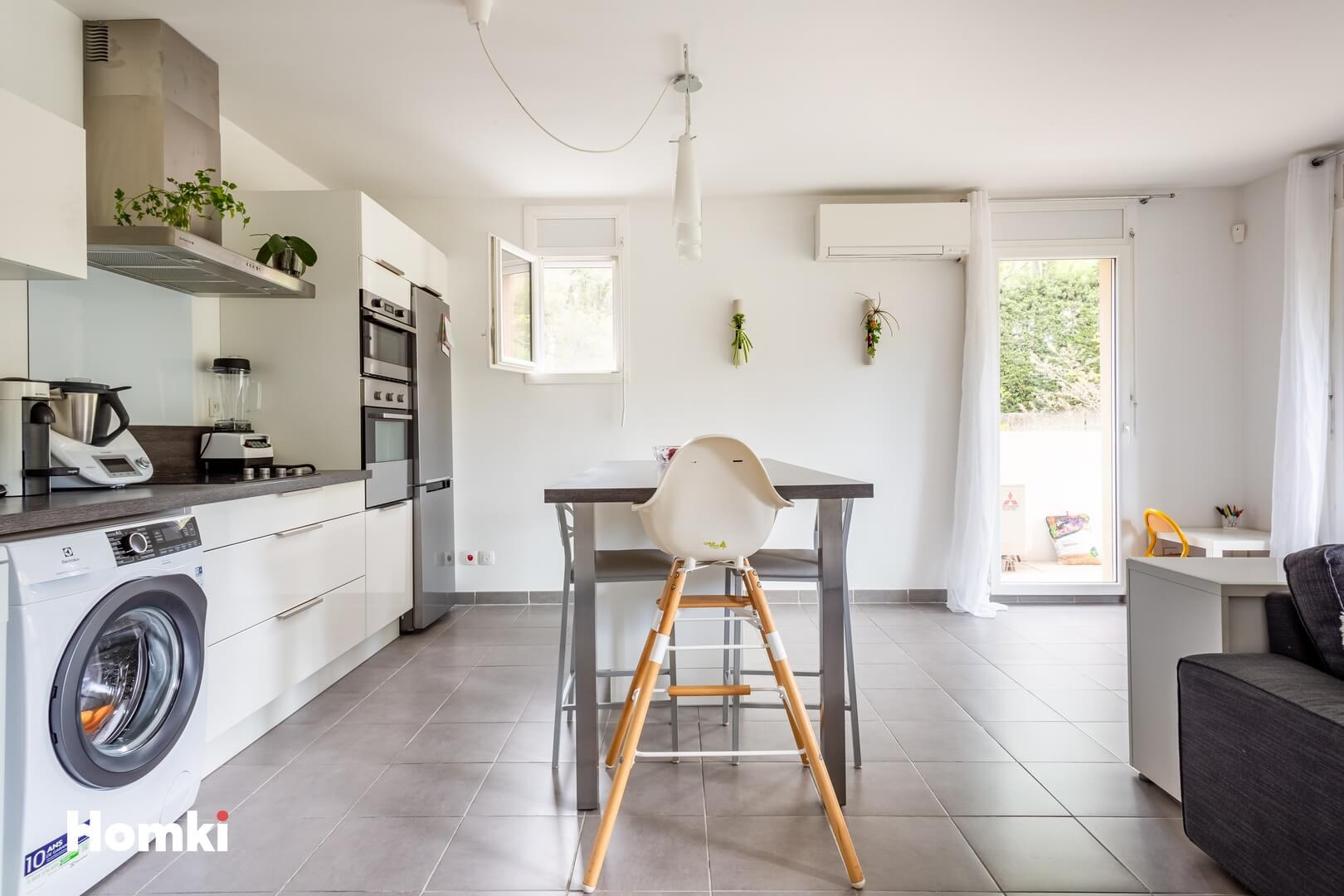 Homki - Vente Appartement  de 65.0 m² à Marseille 13010