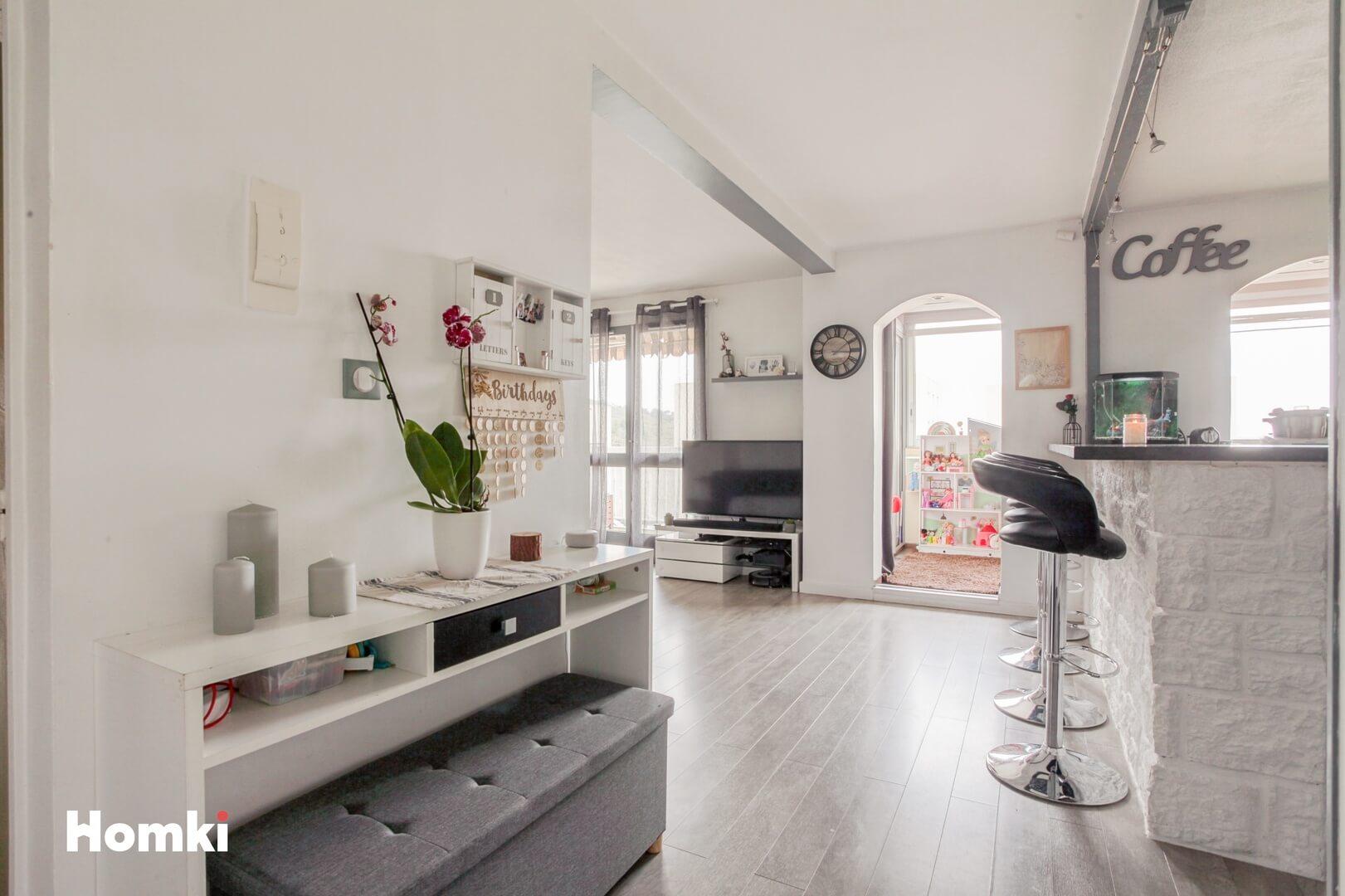 Homki - Vente Appartement  de 82.0 m² à Marseille 13011