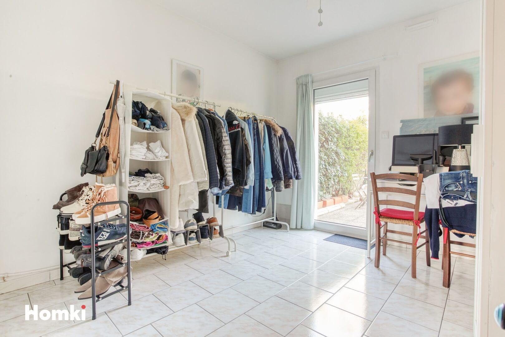 Homki - Vente Appartement  de 63.0 m² à Marseille 13011