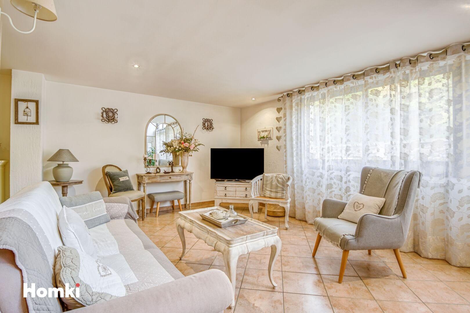 Homki - Vente Appartement  de 122.0 m² à Marseille 13001