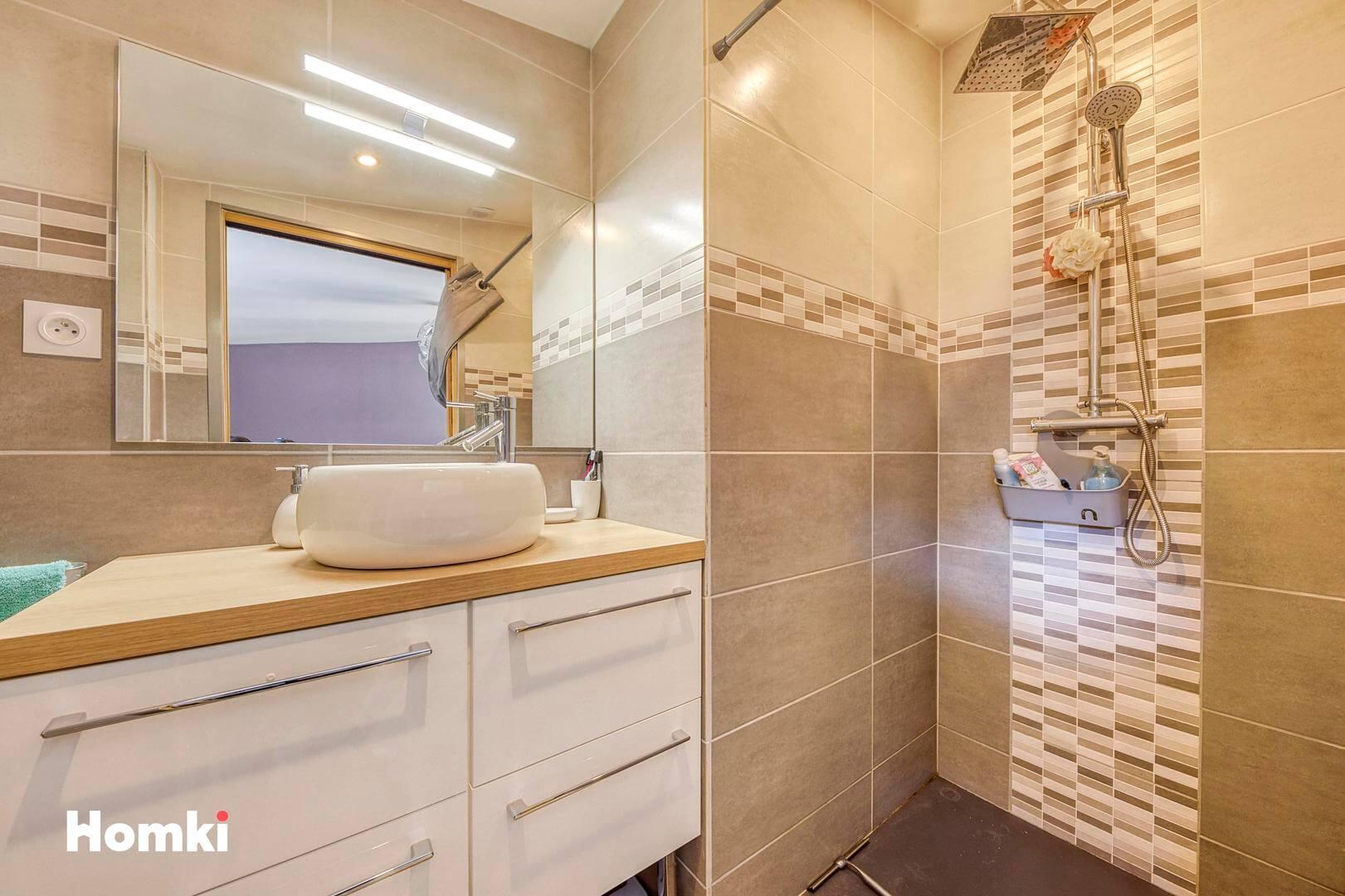 Homki - Vente Maison/villa  de 110.0 m² à Meyzieu 69330