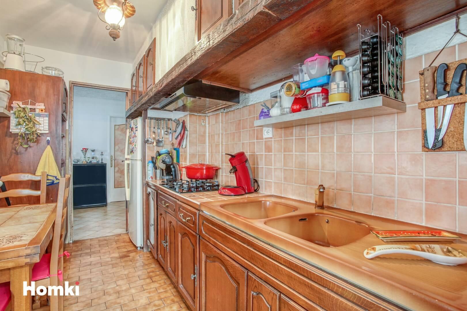 Homki - Vente Appartement  de 74.0 m² à Marseille 13008