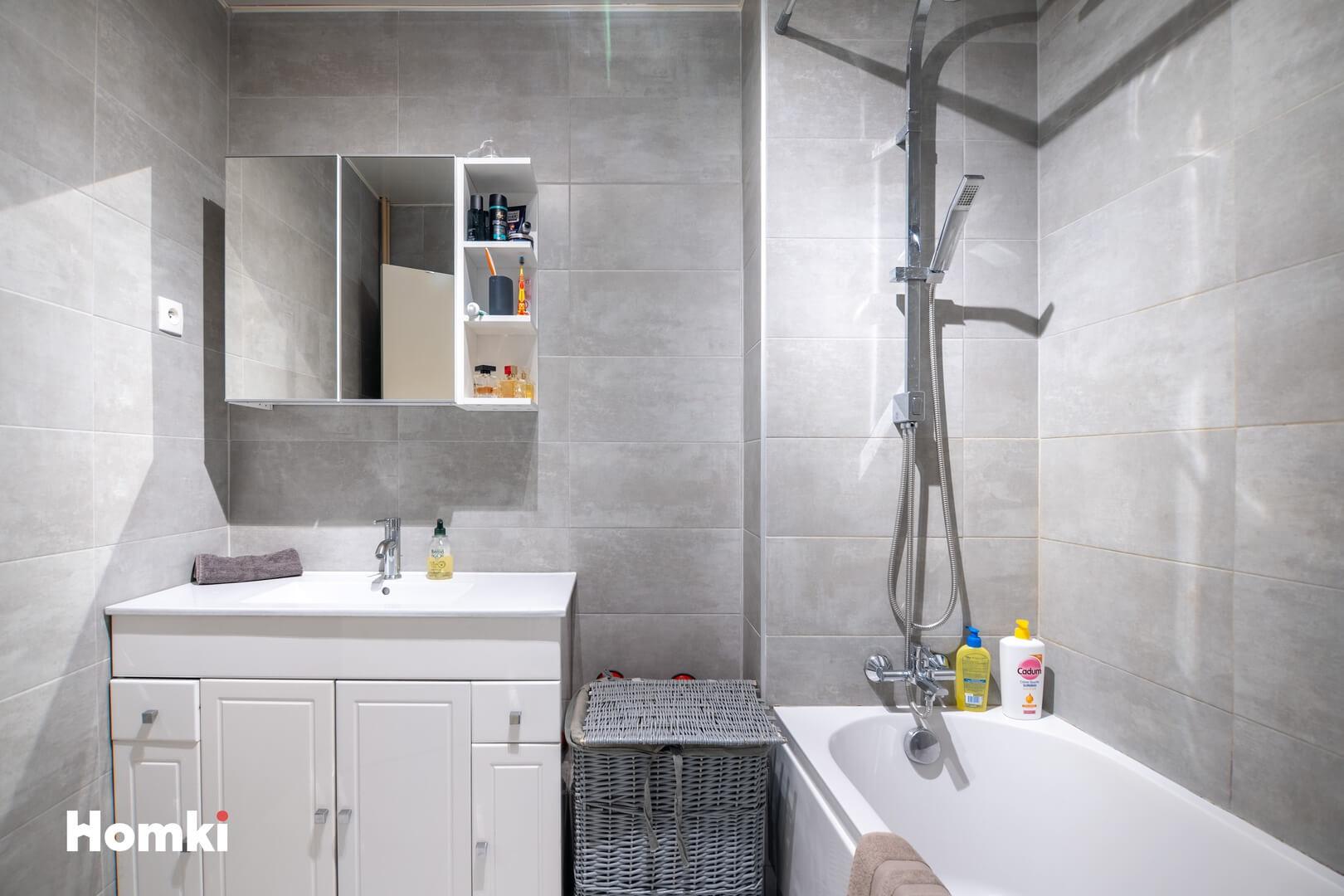 Homki - Vente Appartement  de 79.0 m² à Vitrolles 13127