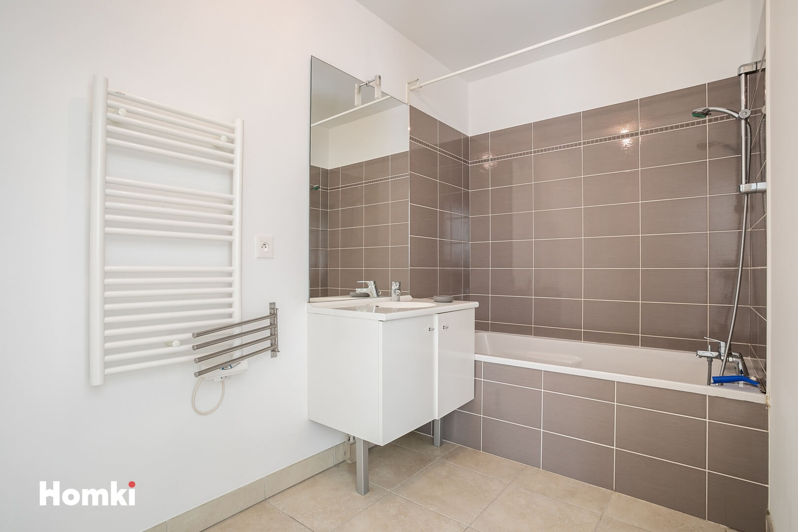Homki - Vente Appartement  de 65.0 m² à Marseille 13008