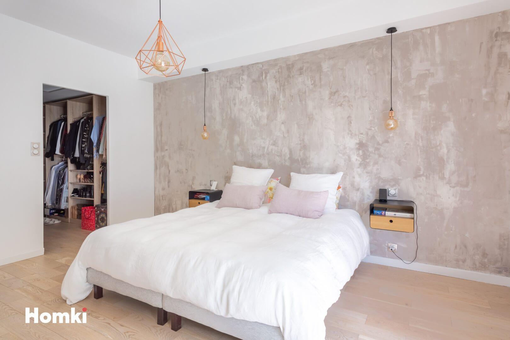 Homki - Vente Appartement  de 104.0 m² à Marseille 13008
