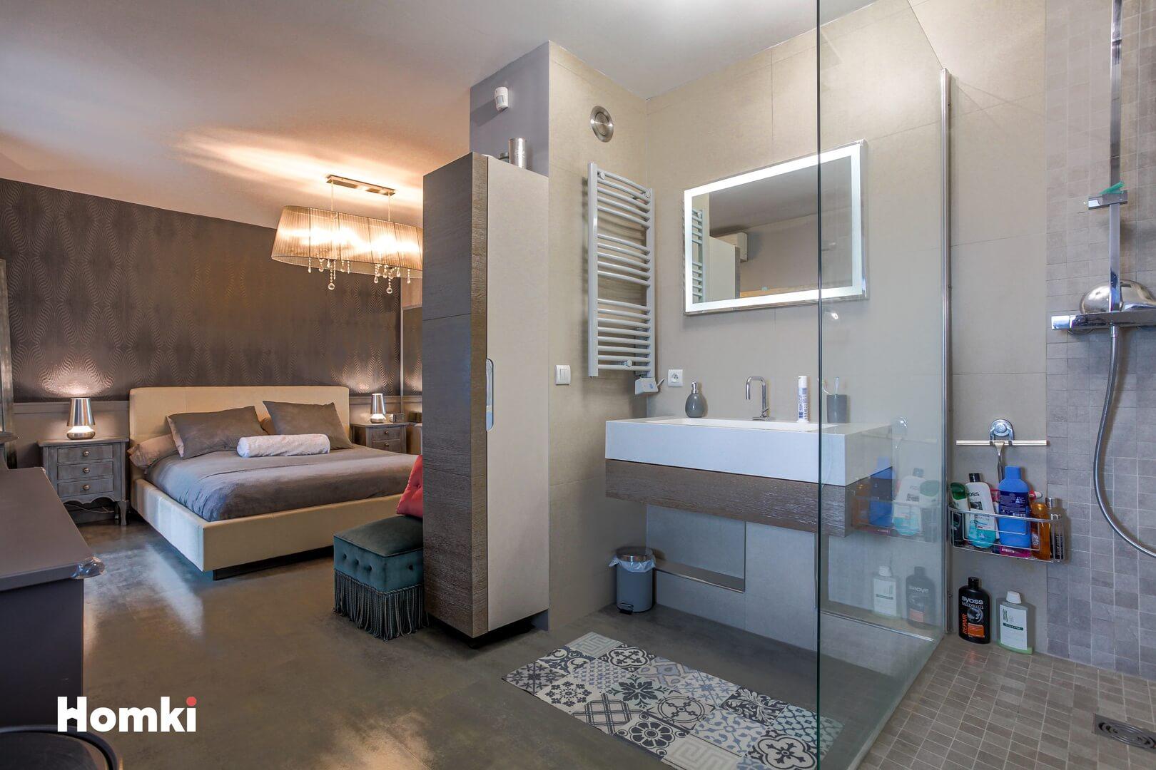 Homki - Vente Appartement  de 81.0 m² à Marseille 13010