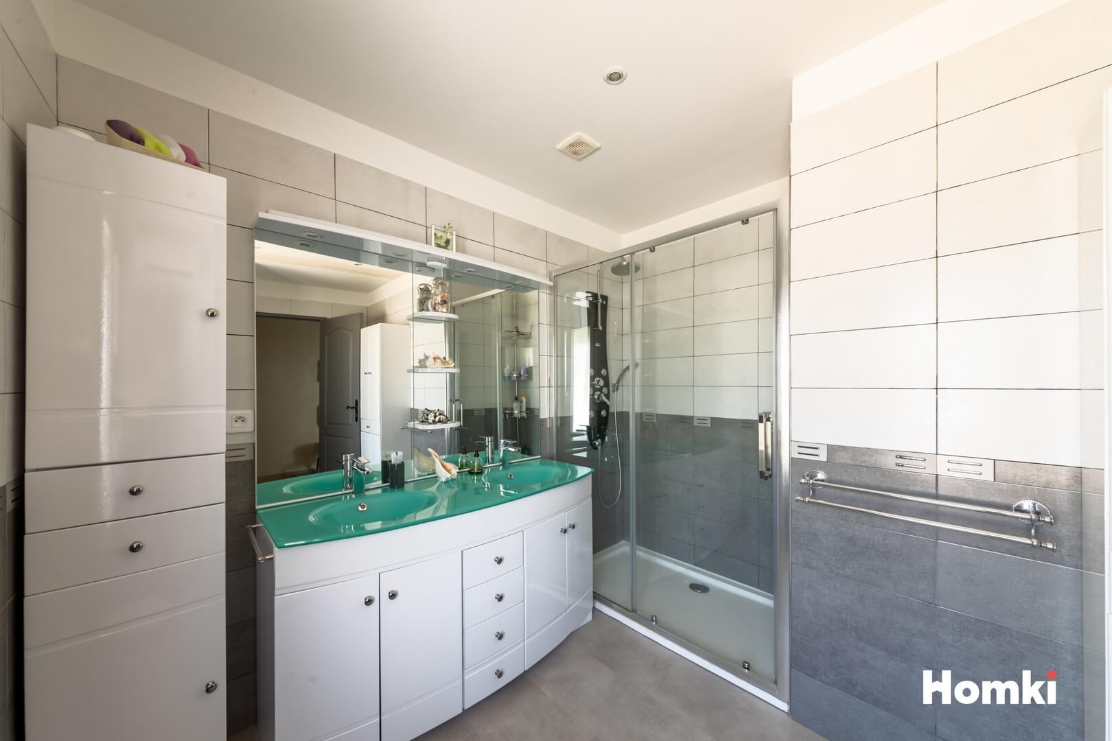 Homki - Vente Maison/villa  de 170.0 m² à Marseille 13013