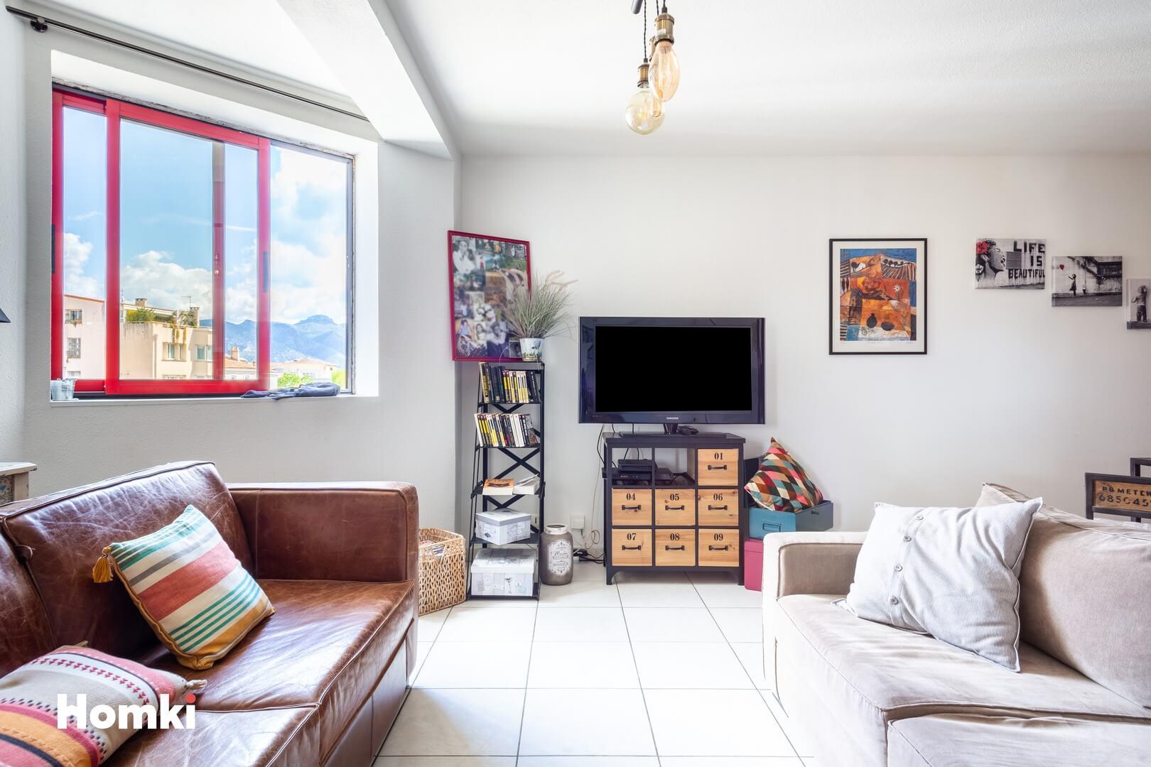 Homki - Vente Appartement  de 46.0 m² à Aubagne 13400