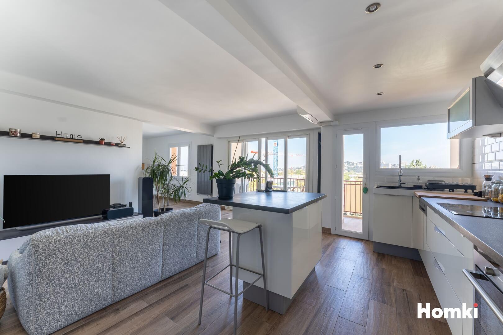 Homki - Vente Appartement  de 72.0 m² à Marseille 13008