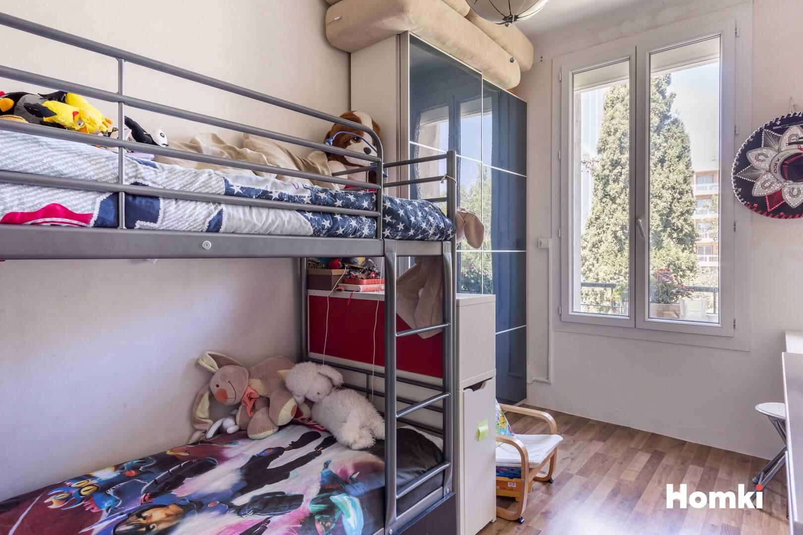 Homki - Vente Appartement  de 68.0 m² à Marseille 13006