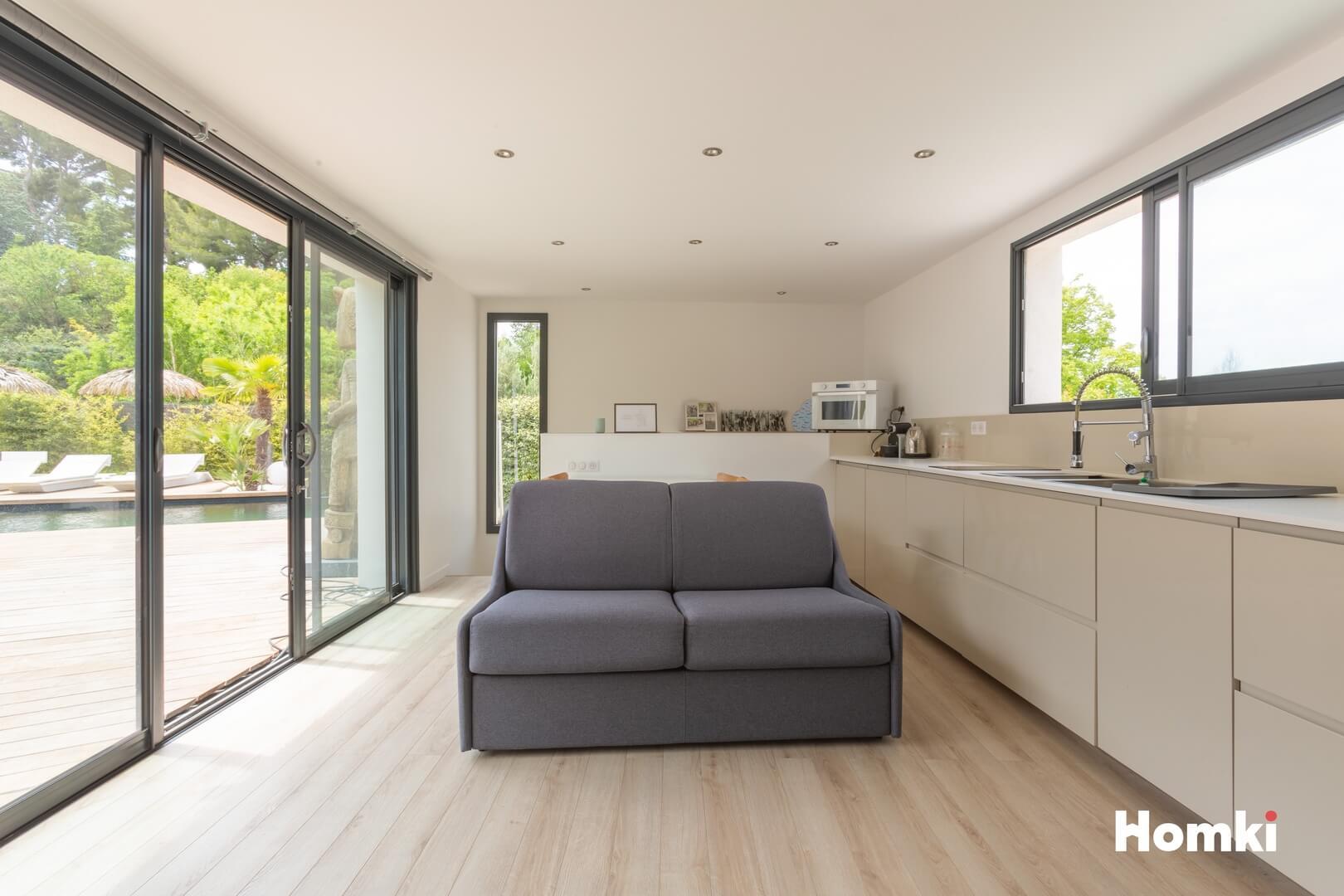 Homki - Vente Maison/villa  de 350.0 m² à Marseille 13011