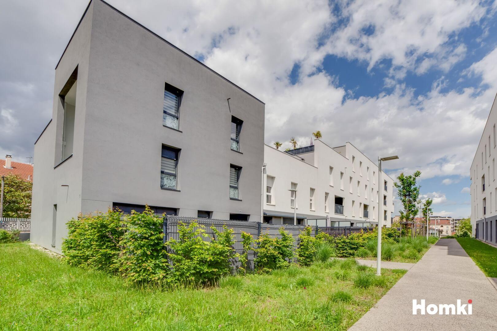 Homki - Vente Appartement  de 93.0 m² à Vénissieux 69200