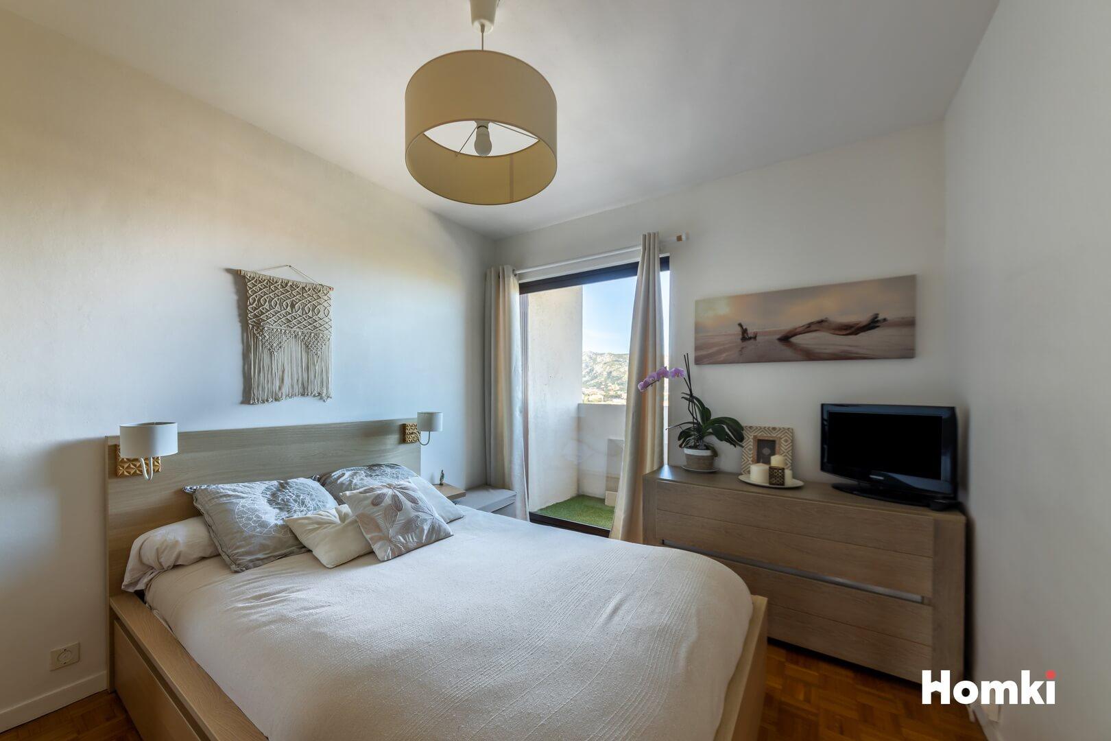 Homki - Vente Appartement  de 66.88 m² à Marseille 13009