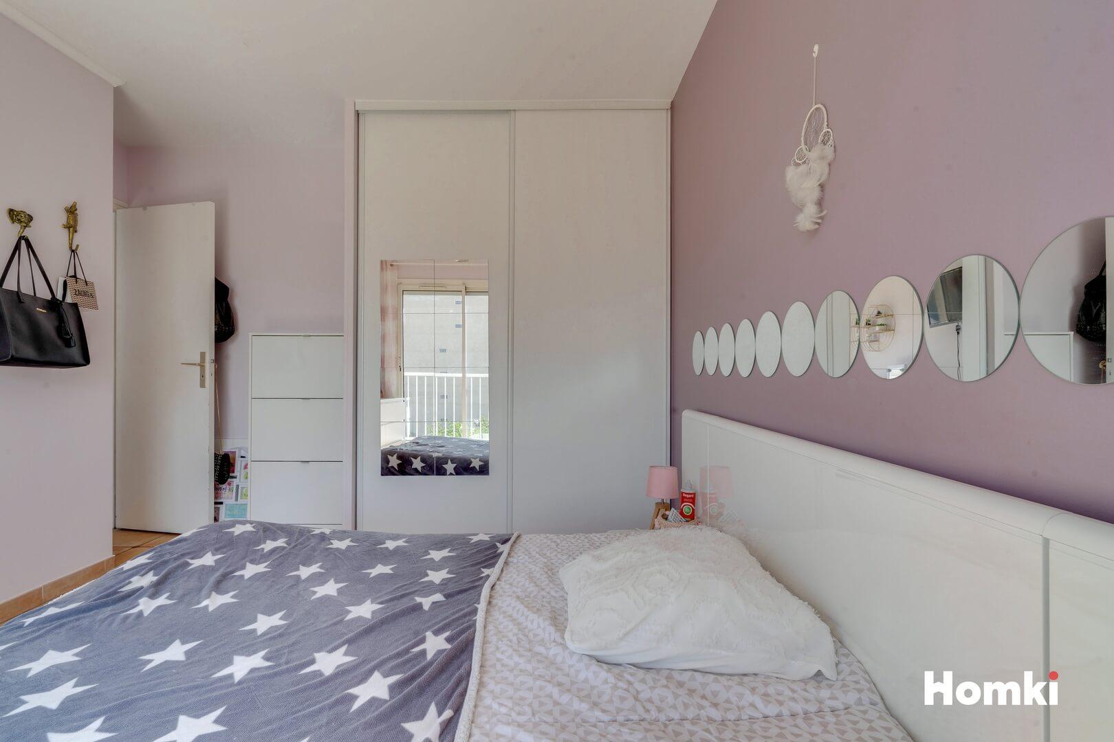 Homki - Vente Appartement  de 117.0 m² à Marseille 13010