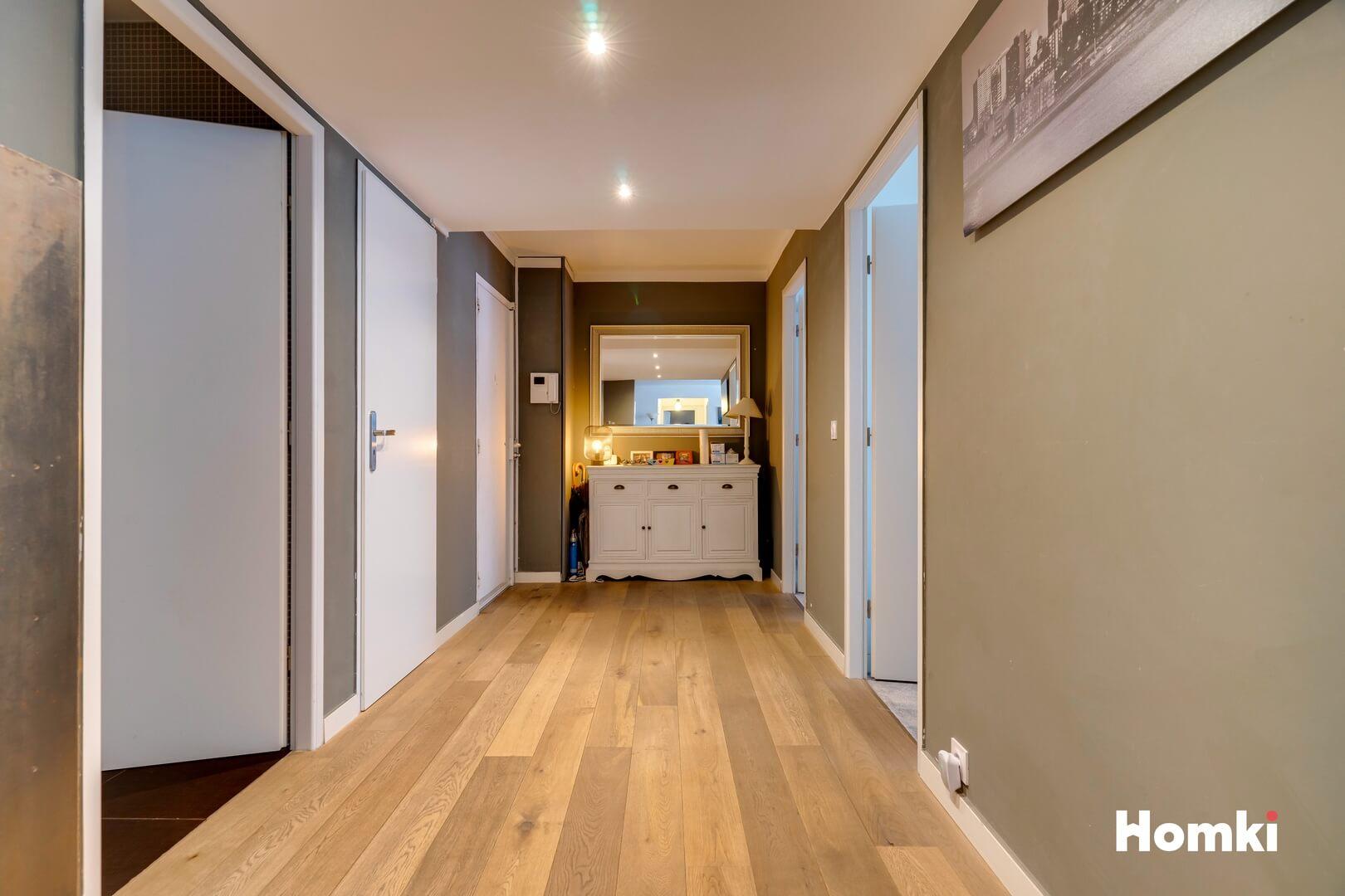 Homki - Vente Appartement  de 142.0 m² à Marseille 13006