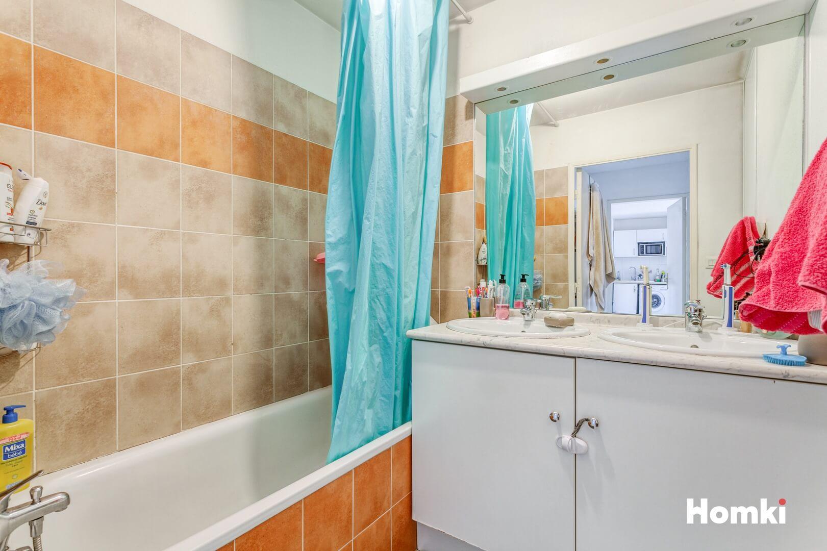 Homki - Vente Appartement  de 59.0 m² à Marseille 13016