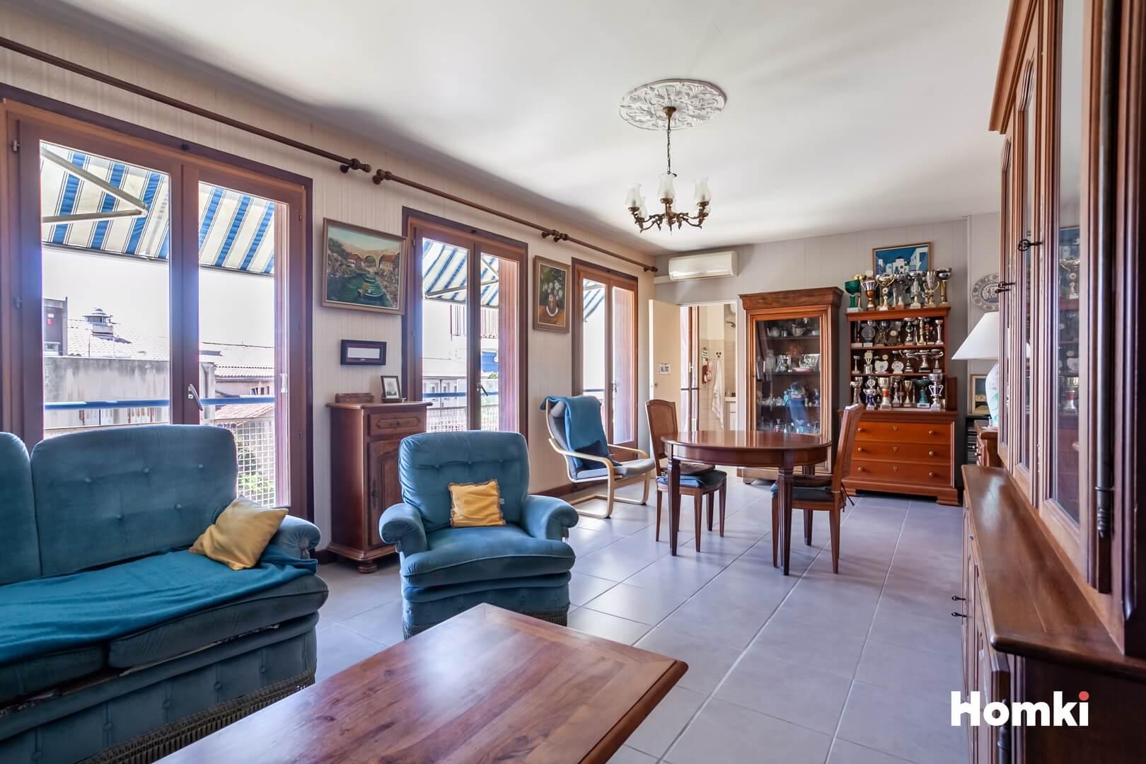 Homki - Vente Appartement  de 100.0 m² à Marseille 13001