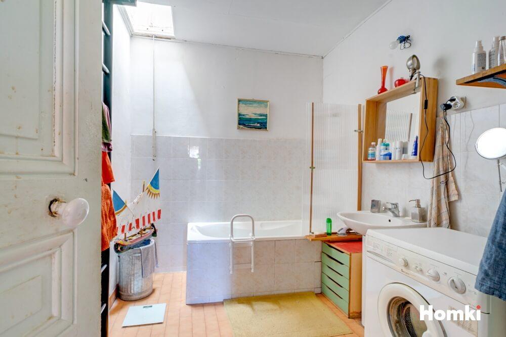 Homki - Vente Appartement  de 115.0 m² à Marseille 13001