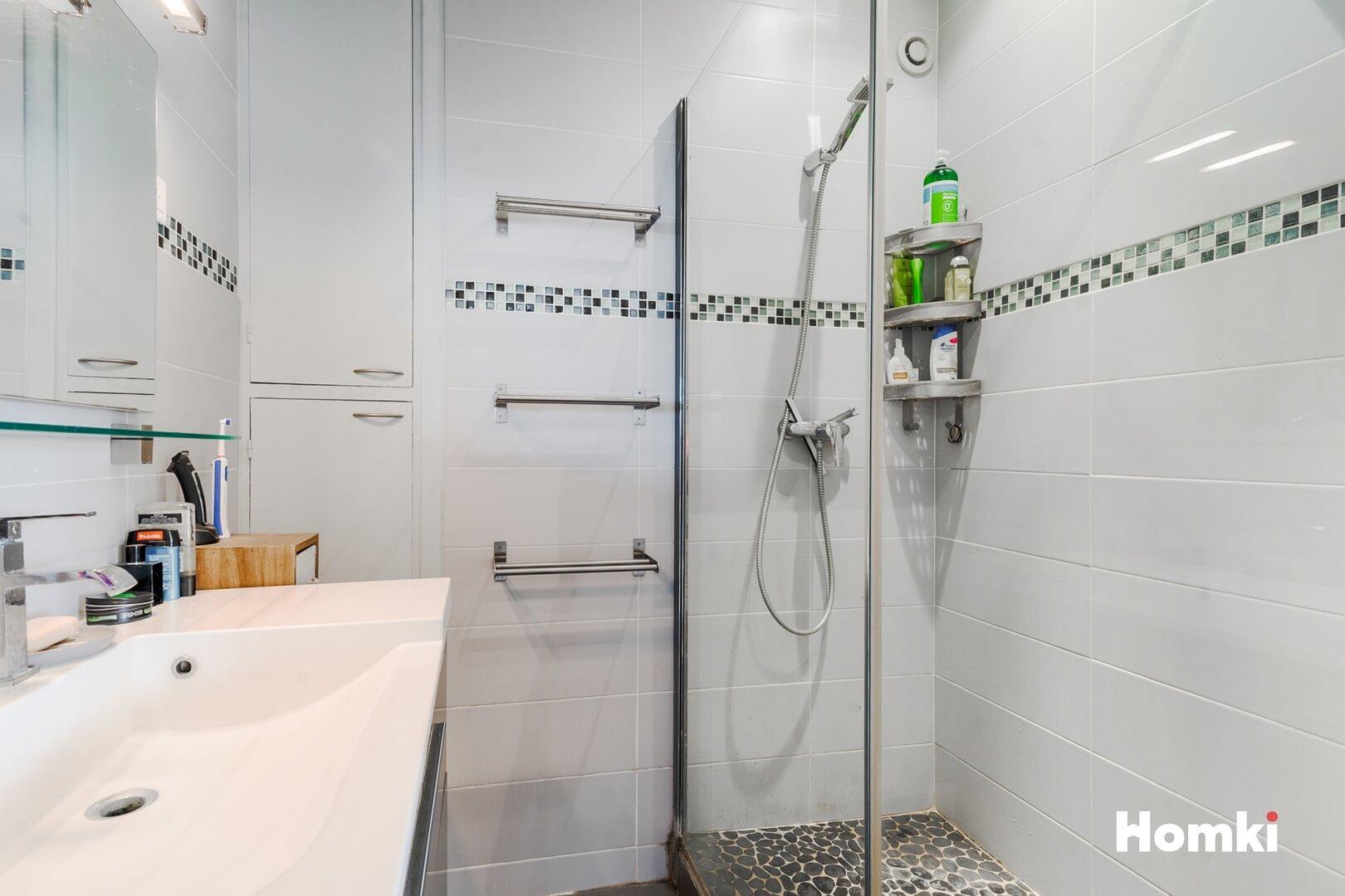 Homki - Vente Appartement  de 77.0 m² à Marseille 13005