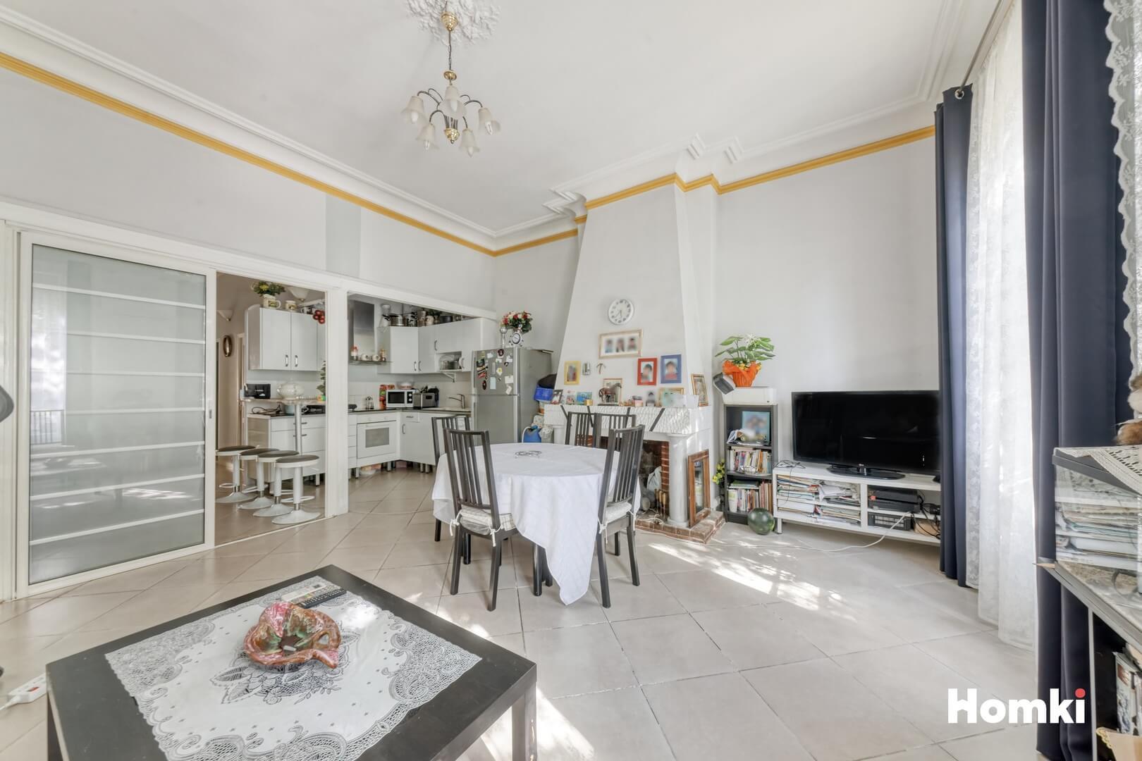 Homki - Vente Appartement  de 93.0 m² à Marseille 13006