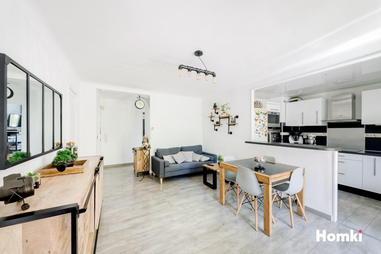 Homki - Vente Appartement  de 66.0 m² à Marseille 13004