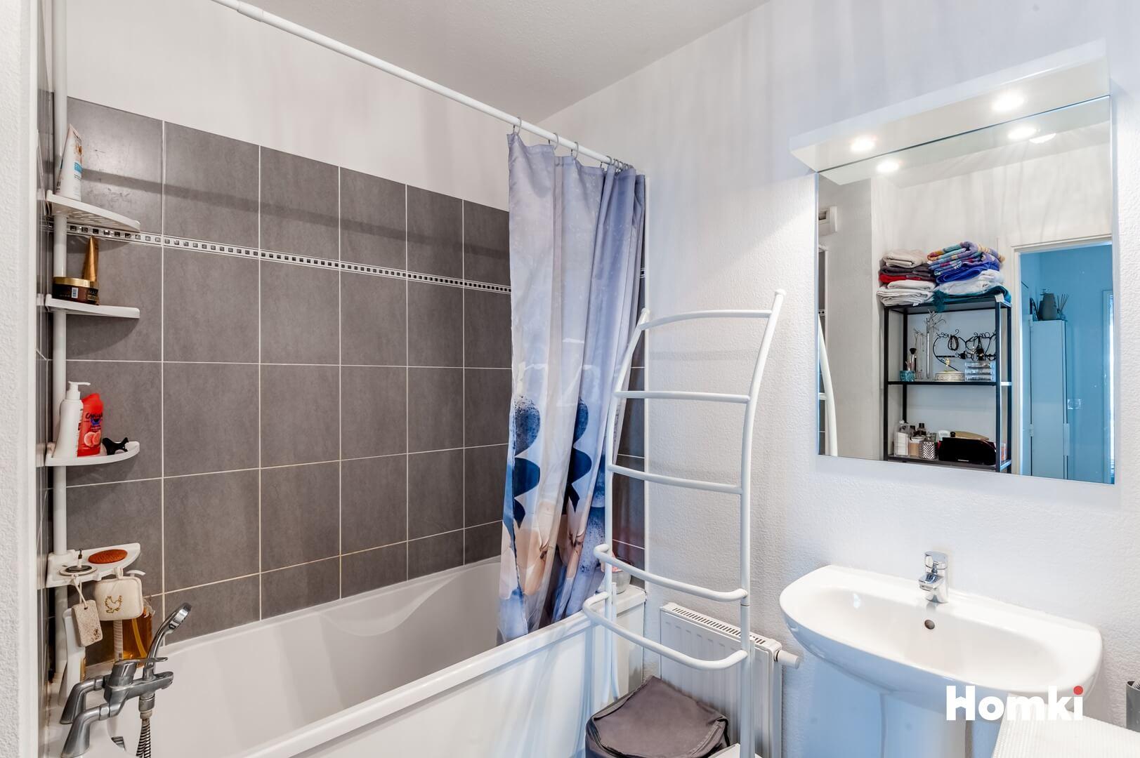 Homki - Vente Appartement  de 62.0 m² à Marseille 13014