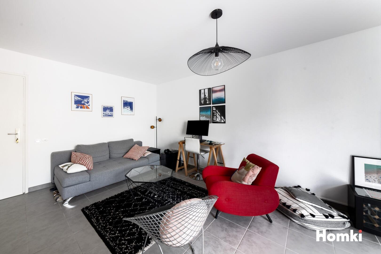 Homki - Vente Appartement  de 48.0 m² à Marseille 13006