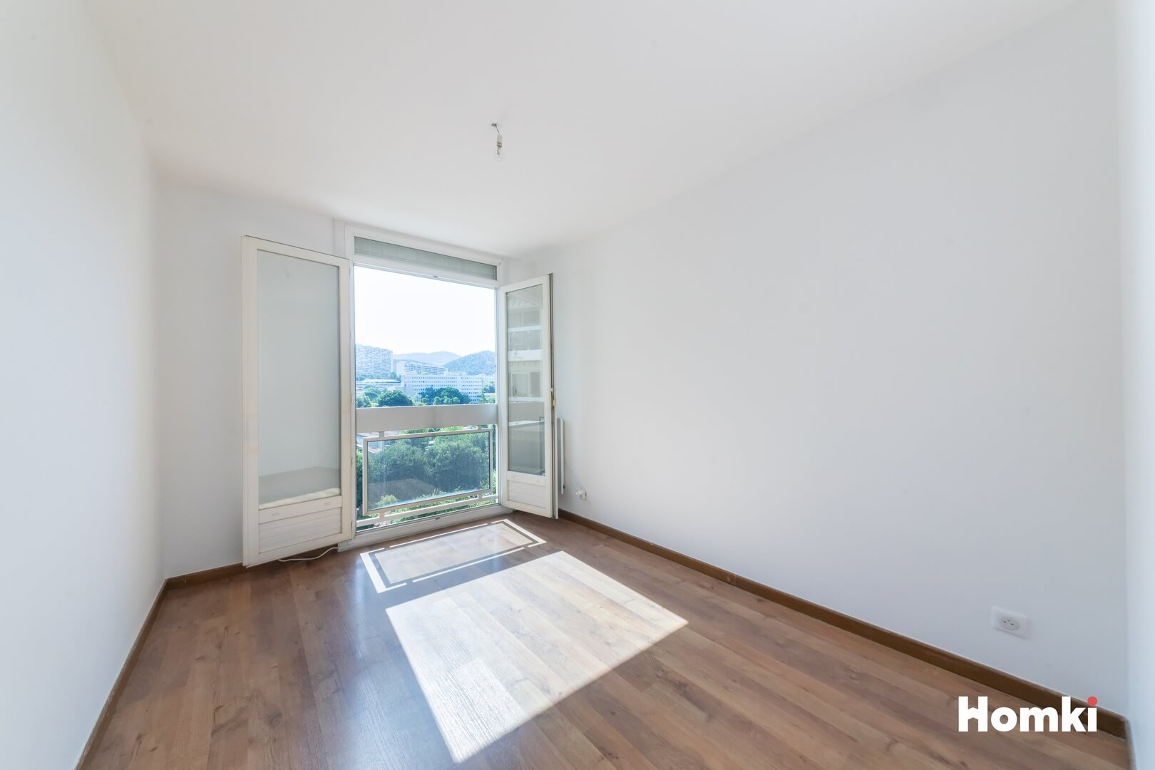Homki - Vente Appartement  de 103.79 m² à Marseille 13009