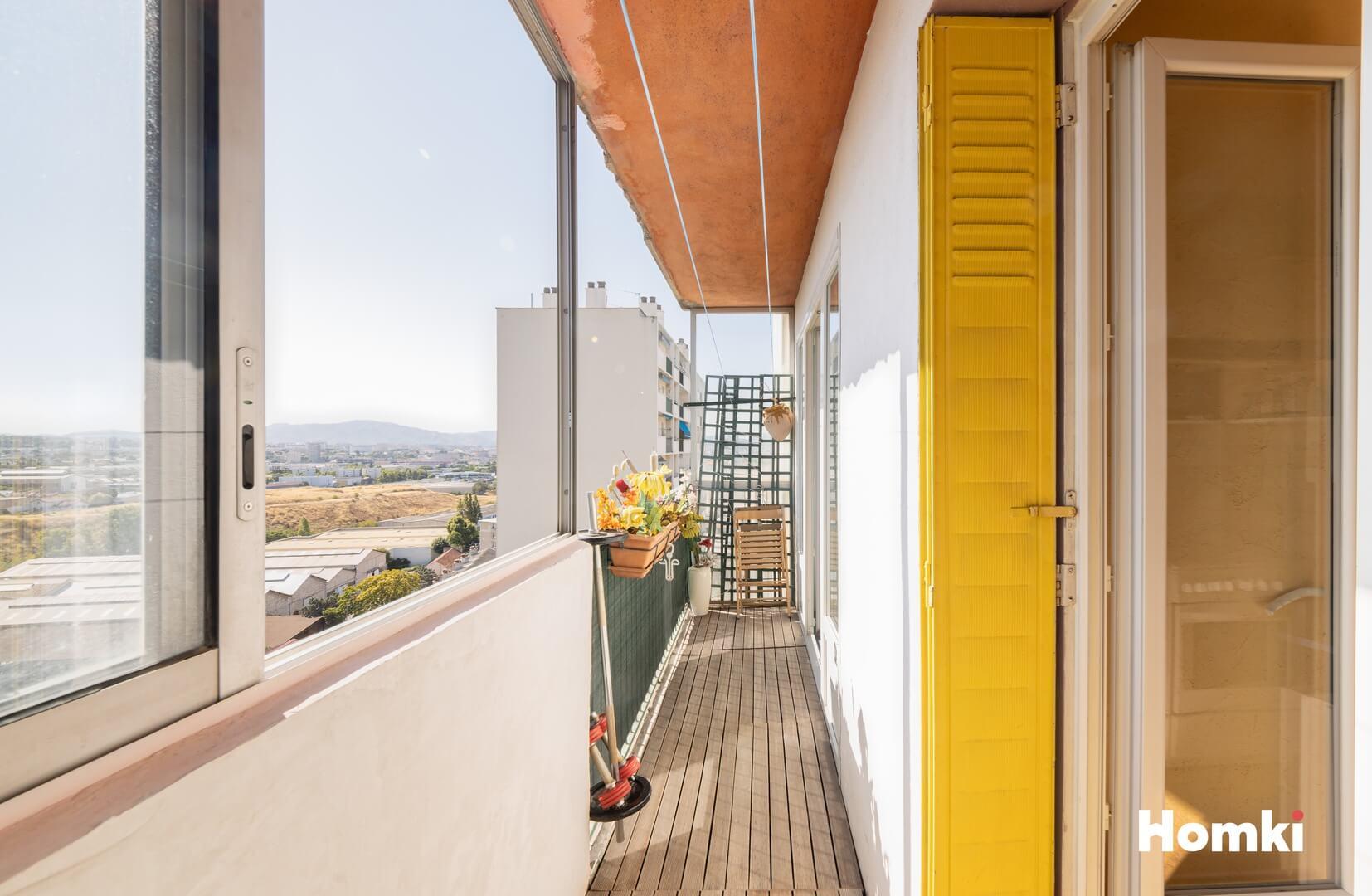 Homki - Vente Appartement  de 54.0 m² à Marseille 13015