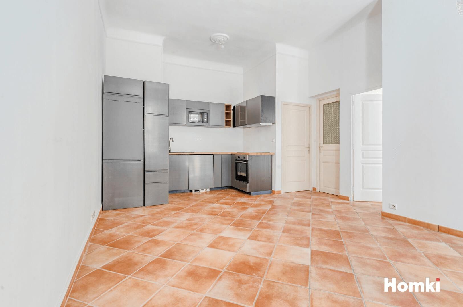 Homki - Vente Appartement  de 71.0 m² à Marseille 13005
