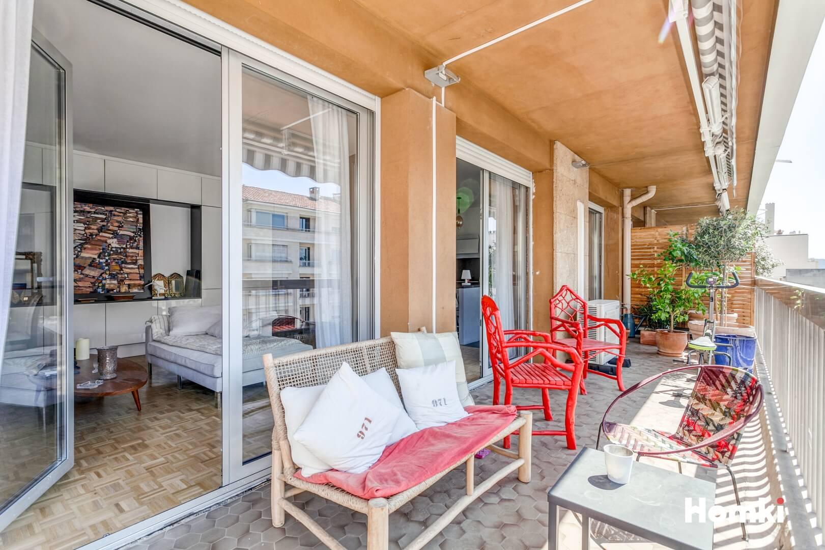 Homki - Vente Appartement  de 90.0 m² à Marseille 13008